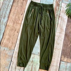 Indero Elastic-Waist Joggers/Lounge Pants